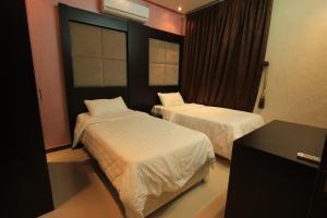 Olaya Suites Furnished Units, Residence  Riyad - big - 22