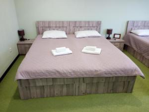Hotel Salmer, Bed and breakfasts  Tbilisi City - big - 62