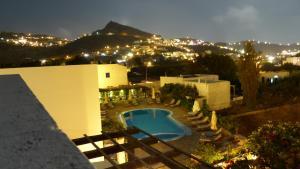 Brother's Hotel (Chora de Ios)