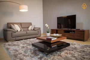 Keysplease Holiday Homes - Three Bedrooms beach Apartment - Dubai
