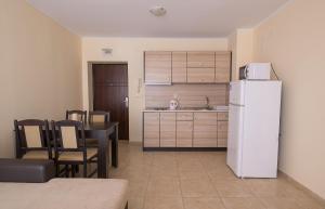 Apollon Apartments, Апартаменты  Несебр - big - 9