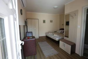 Sobe Kod Domacina, Hostels  Zrenjanin - big - 7