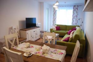 Spring Apartment Polanki Park