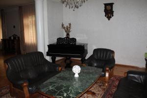 Guest House Mzia, Vendégházak  Borzsomi - big - 5