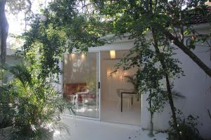 . Wowhaus Tranquil Courtyard Apartment