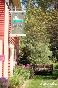 Lodge at Millstone Hill - Accommodation - Barre