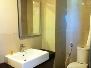 Benua Hotel, Hotely  Kendari - big - 49
