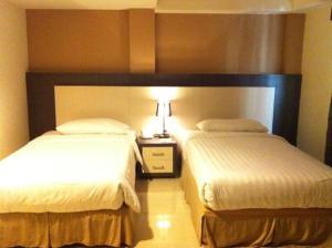 Benua Hotel, Hotely  Kendari - big - 19