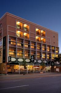 Adelaide Riviera Hotel - Adelaide