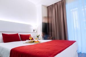 Hotel Pompaelo (5 of 62)