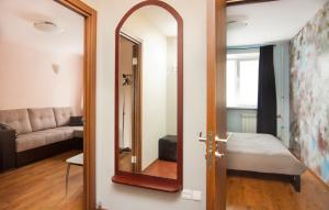 Sadovaya 2 Bedroom Apartment - Verkhneye Rybolovo