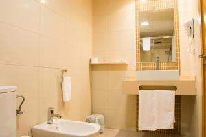 Double or Twin Room without Sea View Hotel Restaurante Loureiro