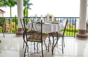 Mountain's View Hotel, Отели типа «постель и завтрак»  Bujumbura - big - 32