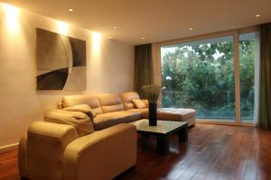 Kumquat Luxury Apartment