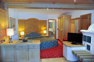 Alpen Hotel Corona, Hotely  Vigo di Fassa - big - 8