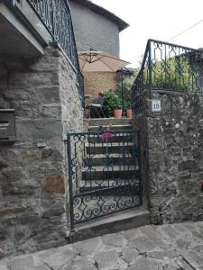 APPARTAMENTO CON GIARDINO - Apartment - Bagni di Lucca