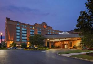 Cincinnati Airport Marriott - Stringtown