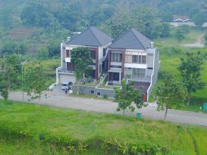Villa Bogor Nirwana, Nyaralók  Bogor - big - 12