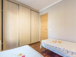 Three-Bedroom Holiday Home in Miami Platja, Holiday homes  Miami Platja - big - 9