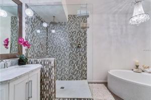 Coolest House in the Village by Beachside Management, Dovolenkové domy  Siesta Key - big - 39