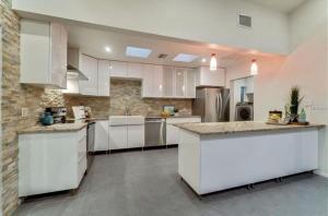 Coolest House in the Village by Beachside Management, Dovolenkové domy  Siesta Key - big - 30