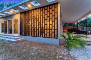 Coolest House in the Village by Beachside Management, Dovolenkové domy  Siesta Key - big - 52