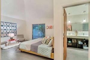 Coolest House in the Village by Beachside Management, Dovolenkové domy  Siesta Key - big - 43