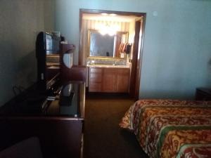 Victorian Inn, Motels  Cleveland - big - 56