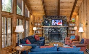17B Tyler's Timber Lodge, Prázdninové domy  Wawona - big - 5