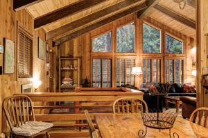 17B Tyler's Timber Lodge, Prázdninové domy  Wawona - big - 17