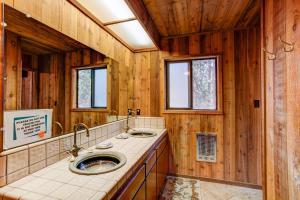 17B Tyler's Timber Lodge, Prázdninové domy  Wawona - big - 21