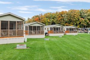 Hidden Ridge RV Resort - Michigan - Hotel - Shelbyville