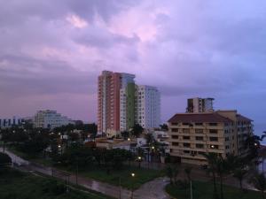 Swimming pool & Beach, en La Marina, Apartmány  Mazatlán - big - 27