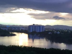 Swimming pool & Beach, en La Marina, Apartmány  Mazatlán - big - 30