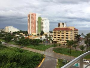 Swimming pool & Beach, en La Marina, Apartmány  Mazatlán - big - 33