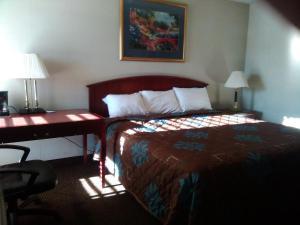 Victorian Inn, Motels  Cleveland - big - 60