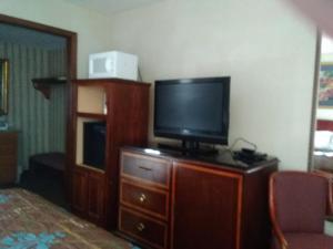 Victorian Inn, Motels  Cleveland - big - 48