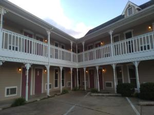 Victorian Inn, Motels  Cleveland - big - 62