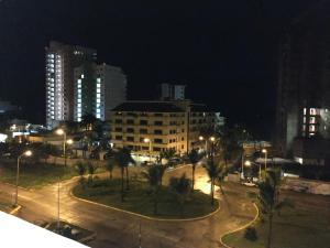 Swimming pool & Beach, en La Marina, Apartmány  Mazatlán - big - 35