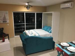 Swimming pool & Beach, en La Marina, Apartmány  Mazatlán - big - 44
