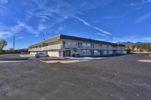 Motel 6-Flagstaff, AZ - Butler..