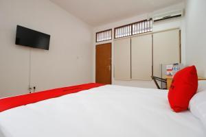 RedDoorz Plus near Plaza Indonesia, Vendégházak  Jakarta - big - 12