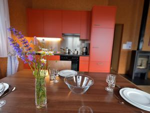 Holiday Home Komfort Aclas Maiensäss Resort.3 - Hotel - Urmein