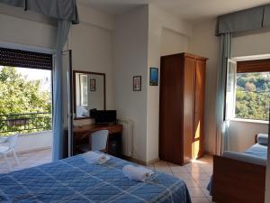 Hotel Bellavista, Szállodák  Maierà - big - 4