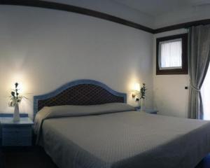 Classic Doppel-/Zweibettzimmer mit Blick auf den Garten