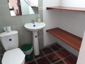 SanTonio Casa Hostal, Guest houses  Cali - big - 65