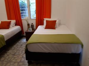 SanTonio Casa Hostal, Guest houses  Cali - big - 56