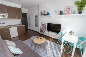 Modern & Stylish Flat Refino, Apartments  Málaga - big - 9
