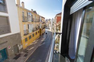 Modern & Stylish Flat Refino, Apartments  Málaga - big - 17