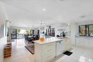 Whitsunday Ocean Melody Deluxe Villa, Homestays  Airlie Beach - big - 49